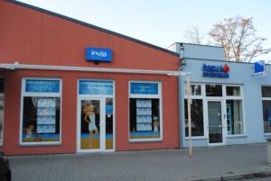 Invia.cz, a.s. – polep výloh