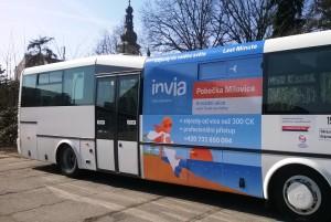 Invia.cz, a.s. – polep autobusů